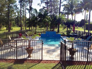 Swans Nest West - Modern & Private, Pool, 3 Brm