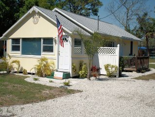Adorable Bungalow Located 1.5 Miles From Nokomis