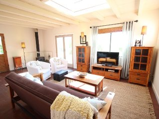 Tranquil Casita in Tano West, Southwestern Skies, Sweeping View of the Sangres