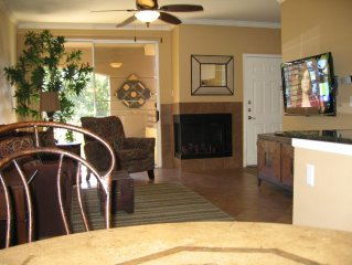 Beautiful, Private, 2nd Floor Condo - Walk To Shop And Dine
