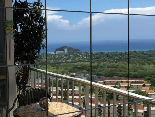 AFFORDABLE HI FLOOR LUXURY / LARGE 'PRIVATE' LANAI / Wi - Fi / VIEWS / AIR