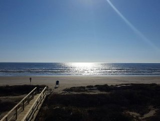 Beachfront! Secluded Beach Home On 15+ Acres! Huge Decks, private walkover