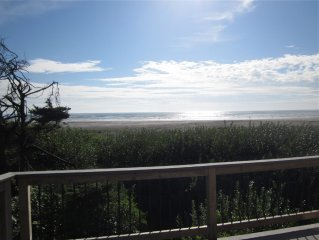 Ocean-front! Get away to the beach in beautiful Moclips - dogs welcome!
