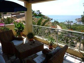 Stunning Greek villa, gorgeous ocean views, terraces, wifi, AC, pizza oven