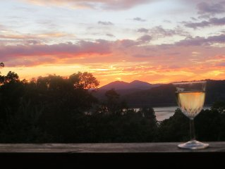 3/3 home with awesome views of mountains and lakes-Chrissy's Xanadu
