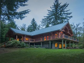 Beautiful large log home located right in the middle of hiking, fishing, skiing