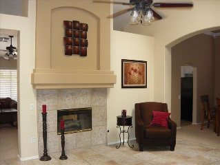 Beautiful/relaxing Chandler Home! Priv Pool & close to  Ocotillo golf course.