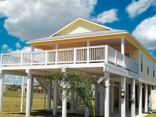 Book this cute beach property steps  from the beach!  Great Reviews!