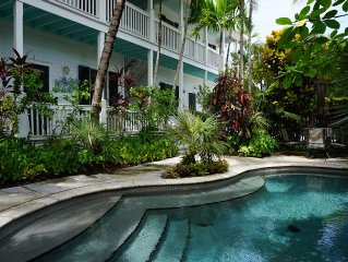 Luxury 2/2 condo In Heart Of Key West With Lagoon Pool. Monthly rentals only