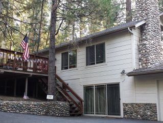 Beautiful and Comfortable Lake House among the trees. Close to Yosemite & Badger
