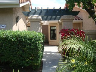 2 Bed /2 Bath Luxury Condo. Short Drive To Beach, Golf & Sd Attractions.