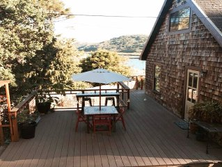 Old Mill Cottage: Sweet and Artistic with a touch of History and Rustic Charm