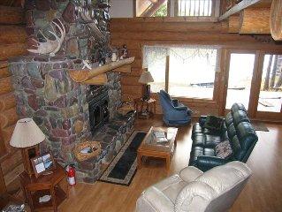 Beautiful Custom Log Home on the River Bordering Glacier Park