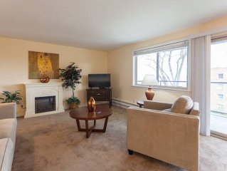 Pacific View, 2BD, 2Bath, Jaccuzzi bath, North Slope Tacoma's best neighbourhood
