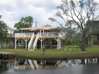 Cottage Charm - Peaceful Setting - Beautiful Bayou View & Retreat!