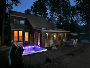 Woodland Park Haven - HOT TUB / RENOVATED!