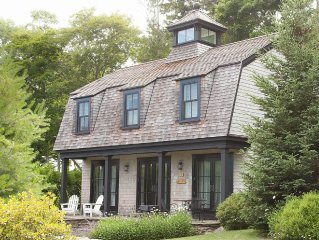 Perfect Location in Northeast Harbor - Classic shingled cottage near Acadia