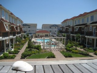 Thunderbird Townhome 4BR, 3.5B, Pool, Beachblock (2020 Summer weeks avail)