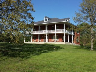 26 ACRE ESTATE 3 MINUTES FROM EDEN ESLE, GREERS FERRY LAKE, & HEBER SPRINGS