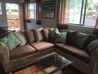 Newly Remodeled Duplex Overlooking The Valley. Close To Haleiwa And Surf.