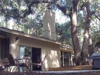 WOW! WHAT A DEAL for a HOUSE in SeaPines! Great Locations 2 BR -Pets ok, 2 bikes