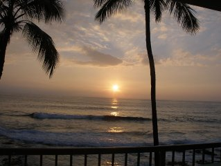 Surfers & Sunsets-Kona Reef Ocean Front Unit