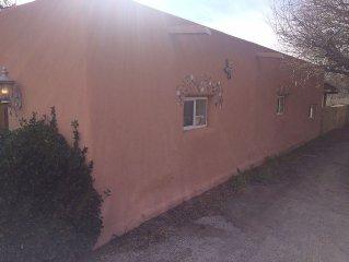 Come Stay In This Beautiful Casa Located In A Rare Niche Of Mesilla.