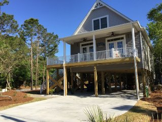 New, 4 Bedrooms/4 Bath, w/ Pool, Exterior Elevator and Golf Cart