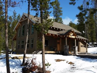 Emerald Meadows Chalet: Relax And Enjoy Fishing, Skiing, Hiking, & More