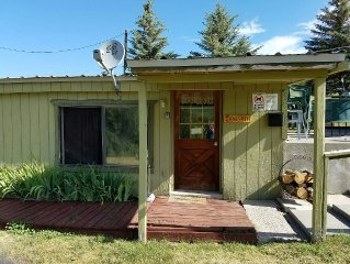 Quiet Country Cabins: The Bears Den Cabin