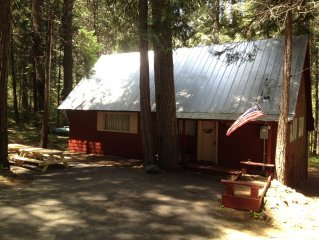 3 Bed Cabin 10 Mins to Pinecrest Lake & 15 Mins to Dodge Ridge