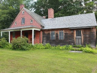 Charming Rural Cottage in the Heart of the Scenic Mohawk Trail