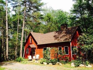 Hurley/Kingston Woodland Home