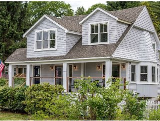 $3,999 mos Winter,  Escape To Maine - Casco Bay/ Town Landing Steps From Beach!