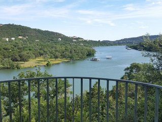 Lakefront House Overlooking Lake Travis/Sandy Creek
