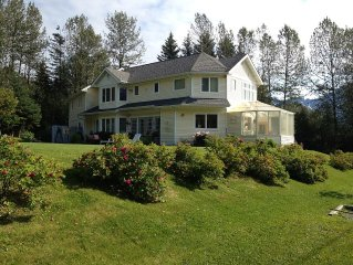 Cozy, quiet retreat within easy walking distance from Seward Small Boat Harbor