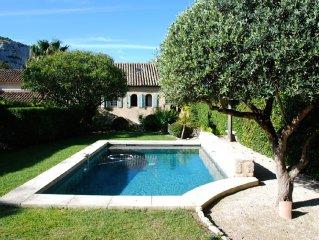 Charming Mas with exceptional views on Les Baux de Provence