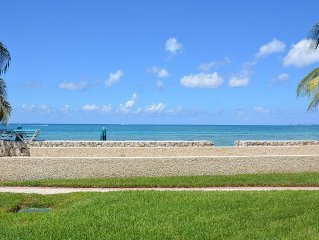 Oceanfront condo at SMB, sleeps 6, just paradise!