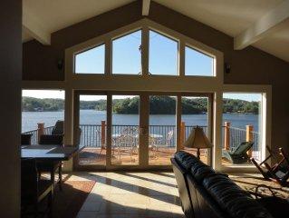 Terrific View Lakefront Granite Kitchen Fireplace Pontoon & Fishing Boats Avail