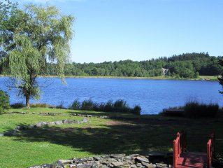 Spectacular Lakefront: Lots of privacy and close to Pocono area attractions!