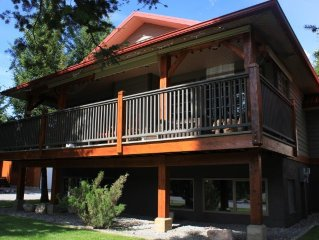 Windermere Copperpoint Golf/Ski/Snowmobile Family Chateau, Invermere.