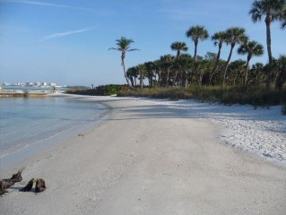 CHEAP!!- Monthly Rental only - Sandy Cove, Siesta Key  Beach Cottage