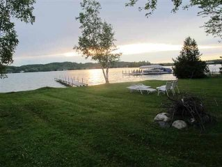 Walloon cottage close to Petoskey, golf, fishing, restaurants, and shopping