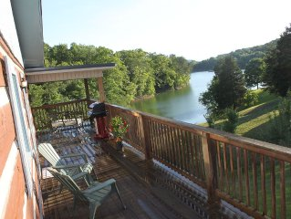 Lake Front Log Cabin Near Smoky Mtns, Attractions & I-40 Quiet Cove Private Dock