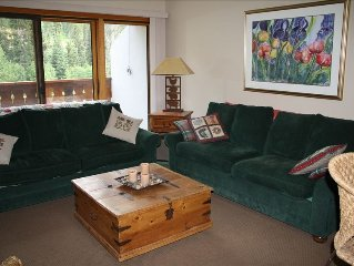 Cozy 2 BR/2A Condo at 'The Peaks'  - Close to Village and Lifts