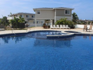 2 Bedroom Hawaiian Pool House, Furnished Incredible Views in Maili, West Oahu.