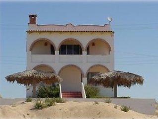 Beautiful Beach House for Rent in Private Las Conchas., location de vacances à Puerto Penasco