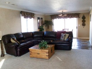 Luxury Green Valley Condo with free WIFI