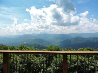 LOW AUGUST RATES--CUSTOM HOME WITH 4500'-VIEWS-ROMANTIC FOR 2, PERFECT FOR 12!
