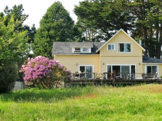 Mendocino Beach House  with Views & Path directly to the beach!